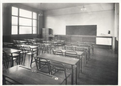 Salle de classe sans estrade